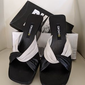 DKNY 6.5 wedge summer sandals, black and white